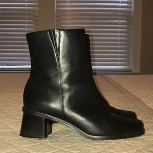 Like New Naturalizer Black Boots